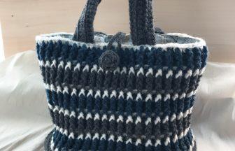 毛糸のトートバッグ